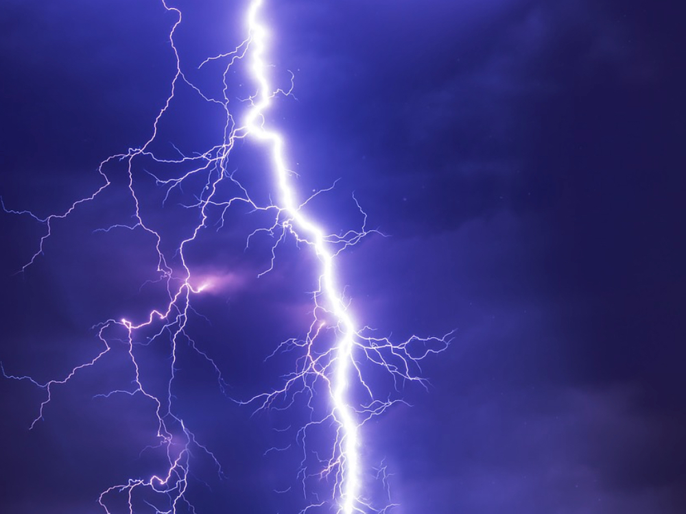 e3f2e0a7c0a8 Small Fires Started by Lightning Storm - Lake Chelan News and ...