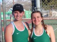Chelan girls tennis players