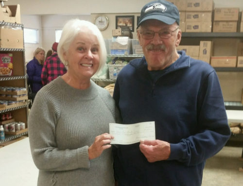 Ladies Golf Turns Spare Change into Food Bank Donation